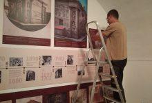Páteční dokončování výstavy