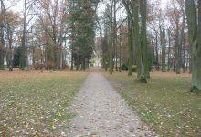 Park před hotelem Pawlik, foto M. Hrabal