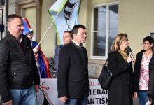 J. Kuchař+vítající oberbürgermeister Hofu H. Fichtner+O. Kupec, foto S. Hájková
