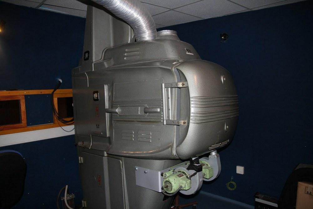 Promítací přístroj pro 70mm filmy (foto Klára Mágrová)