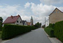 Radwor-cesta ke kostelu Panny Marie Růžencové