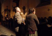 Anton s Marií se modlí